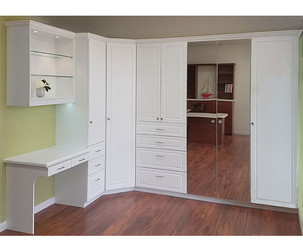 White wardrobes with painted doors in e212S1313 model